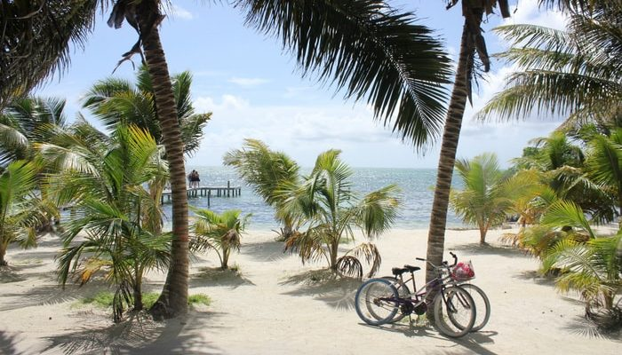 The paradise that is Belize - Should I stay in Belize?