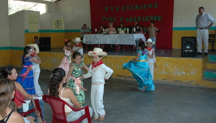 Plan International Honduras: The welcome event put on for us in San Vincente