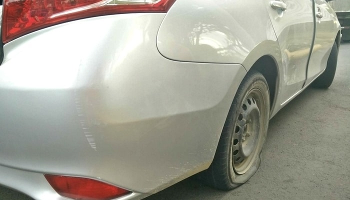 My rental car flat tire / Driving in Nicaragua