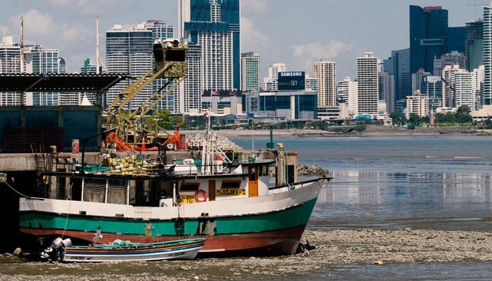 Panama City, Panama / Bernal Saborio (Flickr)