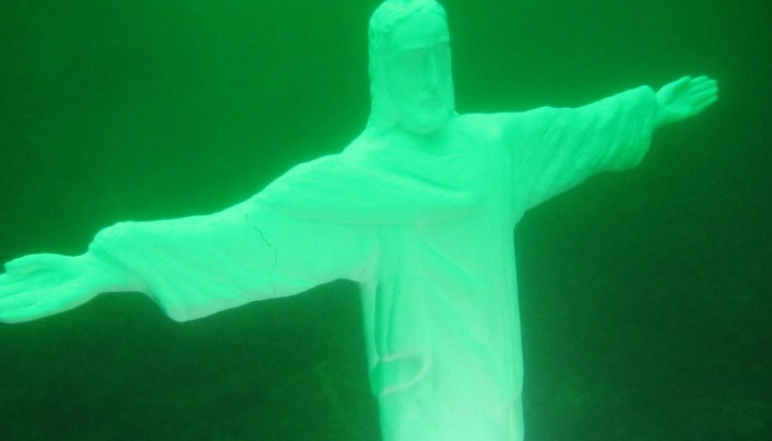 Scuba diving in El Salvador: Christ the Redeemer in Lake Ilopango