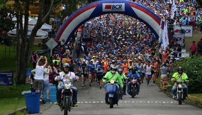 10km runners in Costa Rica